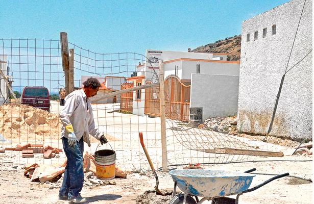 Nuevos fraccionamientos deben buscar opciones y no usar conexión ilegal: vecinos