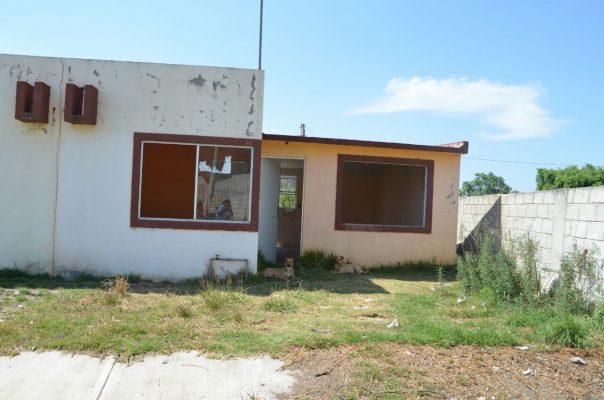 Varios fraccionamientos Con casas abandonadas
