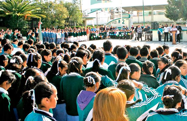 Educación municipal la dirige a alumnos de media superior y superior