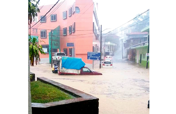 Fuerte tormenta azota a San Felipe  Orizatlán, Huejutla y Tlanchinol