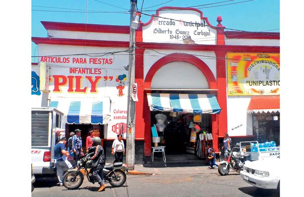 Cumple 70 años mercado municipal