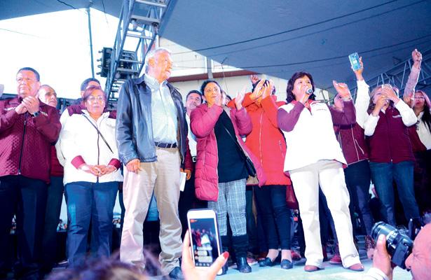 Compromete AMLO apoyo a campesinos hidalguenses