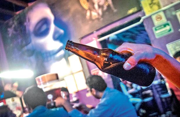 Sugieren más prevención que impuestos a consumo de alcohol