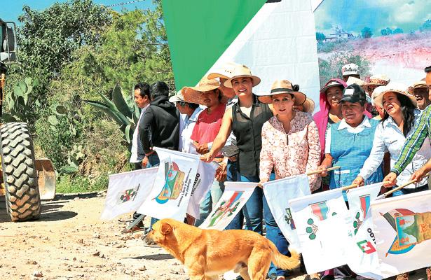 Unen esfuerzos gobiernos municipal y estatal en Tlaxiaca