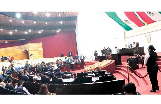 Ratificó Congreso Local renuncia del procurador