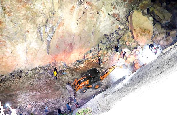 Dinamitan mina de Dengantzha para evitar más riesgos