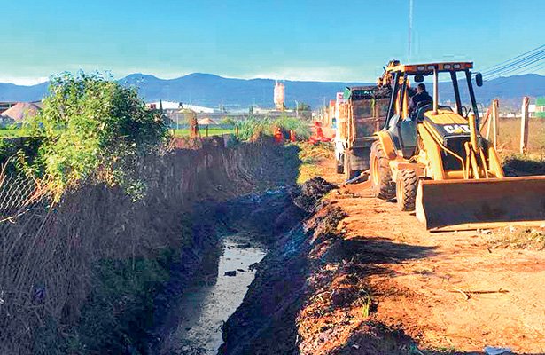 Concluye limpieza de dren San Francisco Huatengo