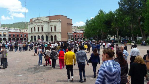 Miles participan en simulacros en  memoria de víctimas de sismos del 85 y 2017