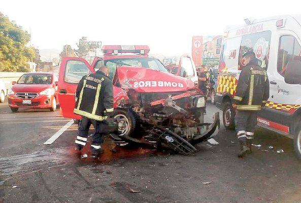 Bomberos se accidentan  en la México-Pachuca