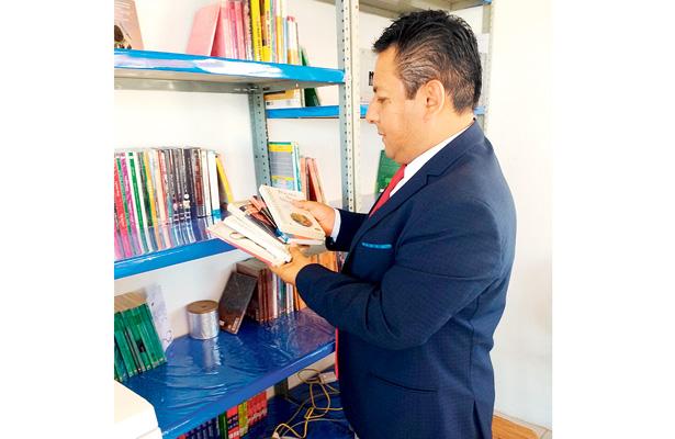 Inició campaña Dona un libro