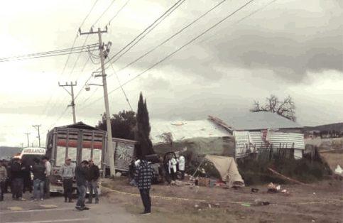 Una muerta y dos lesionados graves deja accidente en Xochihuacan