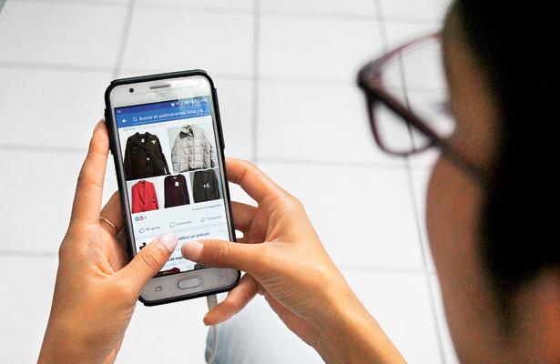 Jóvenes usan internet para vender artículos