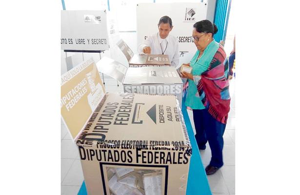 Cumple 65 años el voto femenino