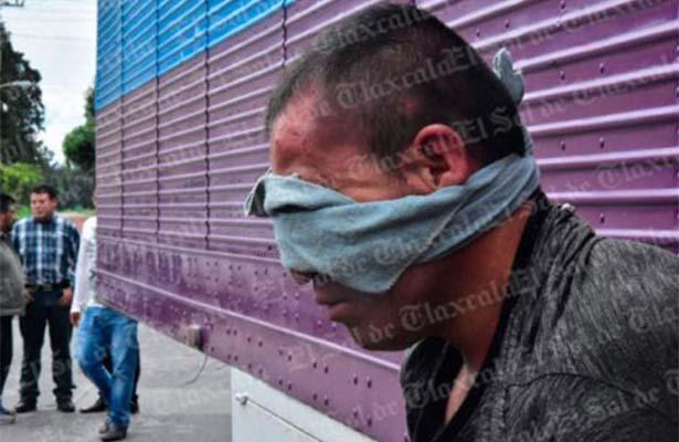 Dejan libre a ladrón; pobladores de Xiloxoxtla lo cuelgan
