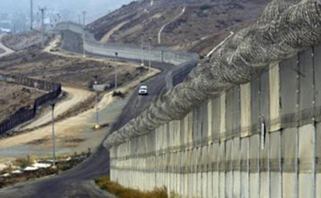 Hay que ver puentes construyéndose donde personas pugnan por la construcción de muros
