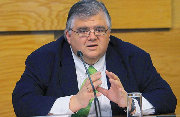 """Aumento de tasas de interés """"no debería"""" impactar la economía, considera Carstens"""