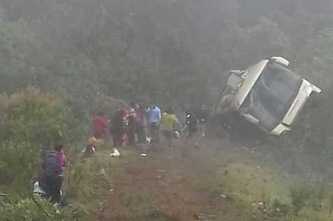 Cae autobús a barranco en la México- Tampico