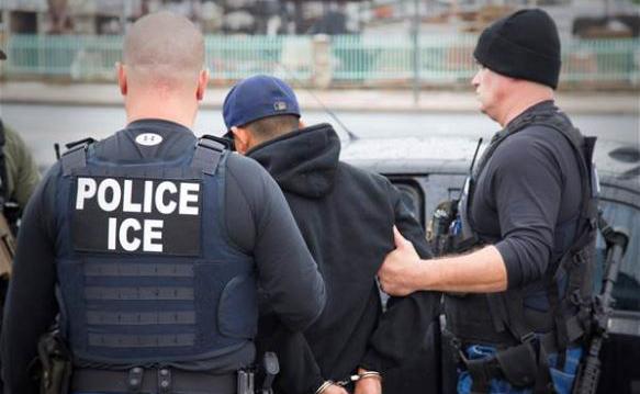 No irá de luna de miel; mexicano será deportado por cruzar mal la calle