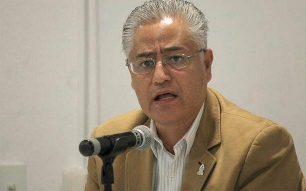 Tras orden aprehensión, escapa rector de la Universidad de Morelos