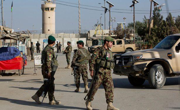 Un ataque talibán deja 20 policías muertos en el sur de Afganistán