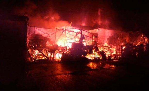 Se registra incendio en mercado de Acapulco