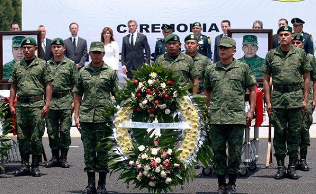 Realizan homenaje póstumo a militares caídos en Palmarito