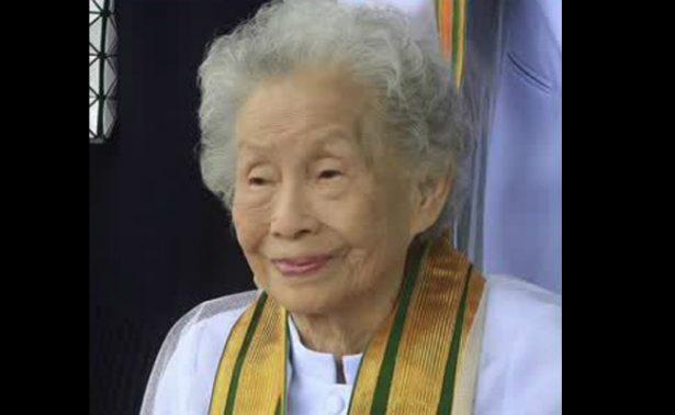 ¡Anciana de 91 años se gradúa de la universidad!