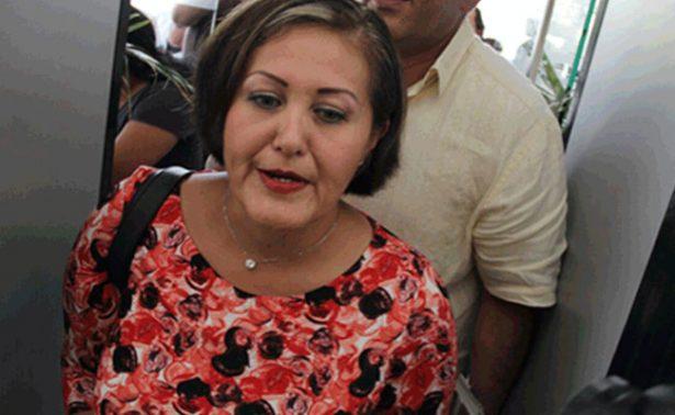 Eva Cadena recibe notificación de desafuero