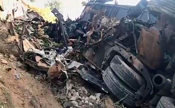 Tráiler y autobús se impactan en Tamaulipas; hay 10 muertos