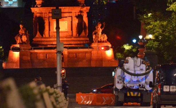Muere trabajador de limpieza tras resbalar y ser arrollado por un camión en Reforma