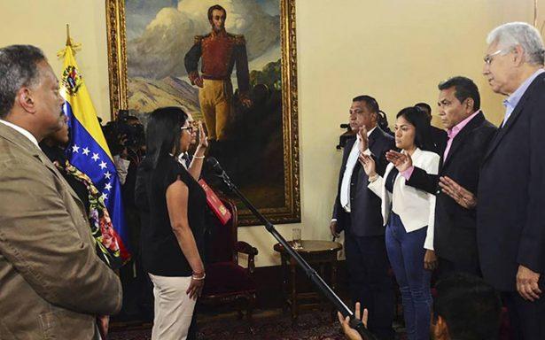 Gobernadores electos de oposición juran ante Constituyente de Venezuela