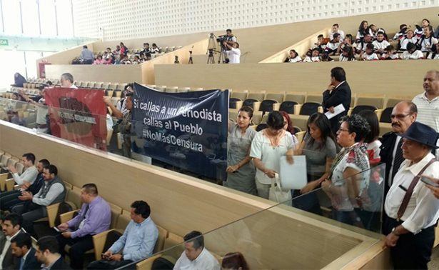 Votan contra ley para proteger a periodistas