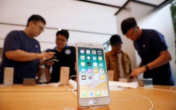 Acciones de Apple caen, analistas temen baja demanda por el iPhone 8