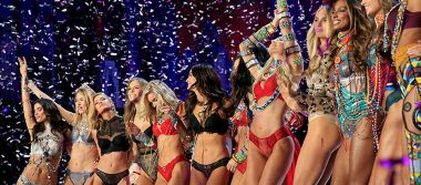 ¡Navidad adelantada! Los 'ángeles' de Victoria's Secret conquistan Shanghai con espectacular desfile
