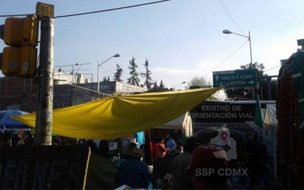 Continúa cerrada circulación en Bucareli por presencia de manifestantes