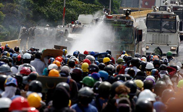Oposición venezolana vuelve a la calle para marchar hasta el Poder Electoral