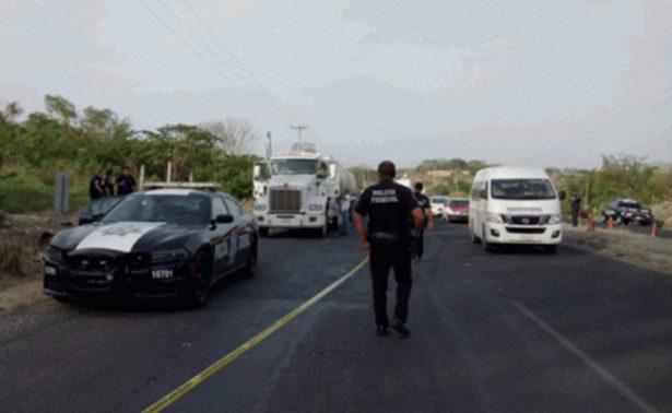 Disputa entre federales y huachicoleros deja un muerto, en Veracruz