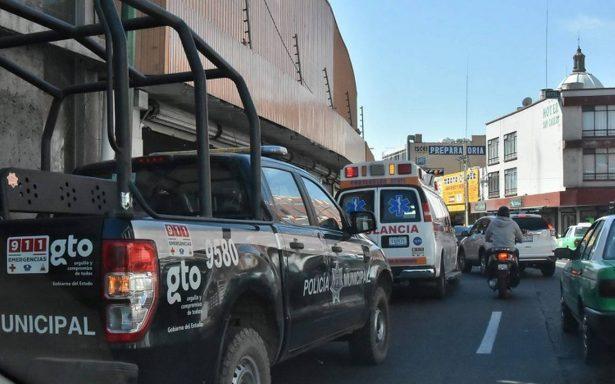 Ficción supera la realidad: policías irrumpen en grabación y golpean a actores en Guanajuato