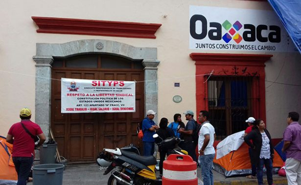 Trabajadores de Salud de Oaxaca, en paro indefinido