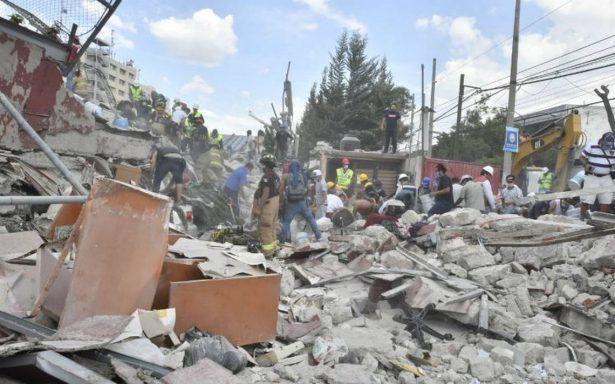 Parten de Zacatecas 25 rescatistas a la Ciudad de México