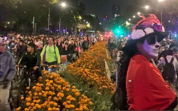 ¡Increíble! Noche de muertos en bicicleta rompe récord