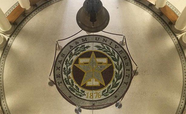 Profesor de Texas insta a sus estudiantes a matar a gente blanca