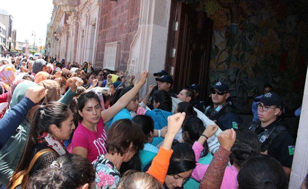 Intensifican manifestaciones  normalistas en Aguascalientes