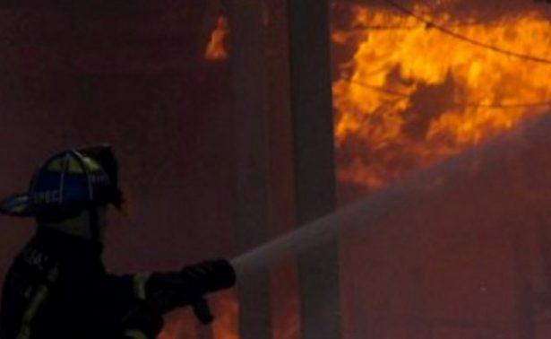 Bajo control incendio forestal en la carretera México-Cuernavaca