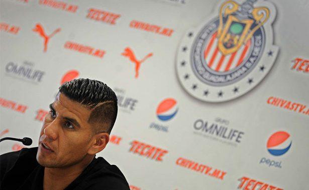 Chivas, obligado a buscar el campeonato: Carlos Salcido