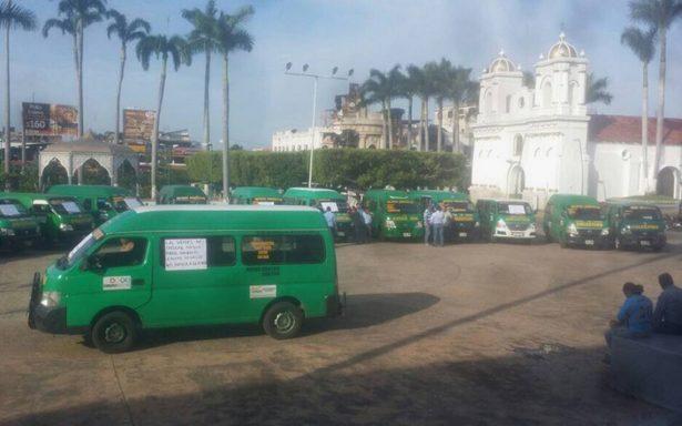 Transportistas toman el centro de Tapachula