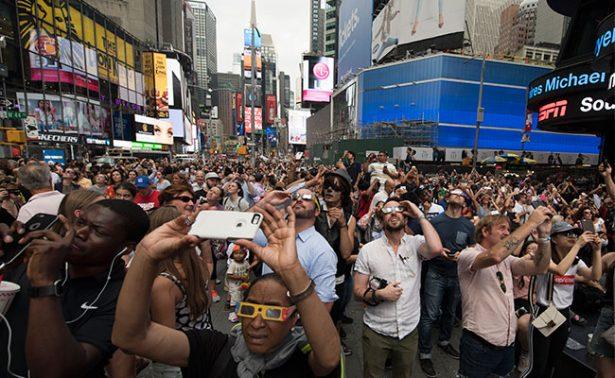 EU en el clímax tras 99 años de no presenciar un eclipse solar