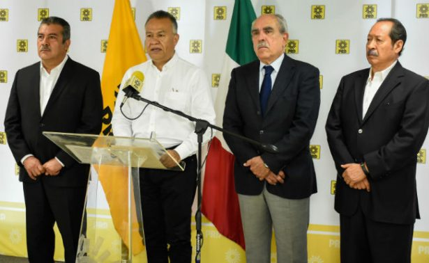 Perredistas externan apoyo a AMLO y critican a Alejandra Barrales