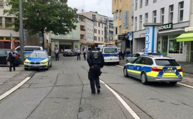 Ataque con cuchillo en Düsseldorf, Alemania, deja un muerto