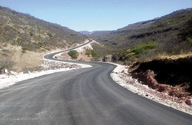 Avanza carretera Joaquín Amaro-Momax